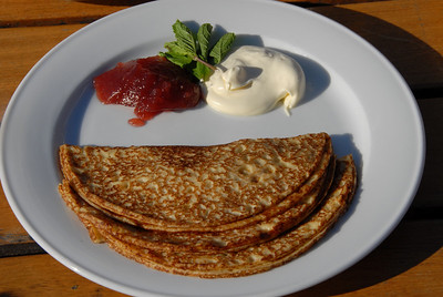Swedish pancakes with preserves and clotted cream but no pea soup